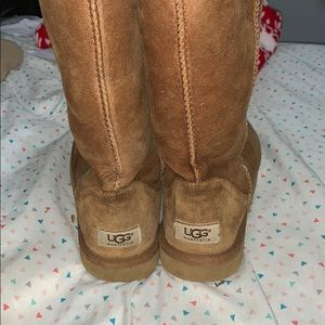 Brown UGG boots size 8.